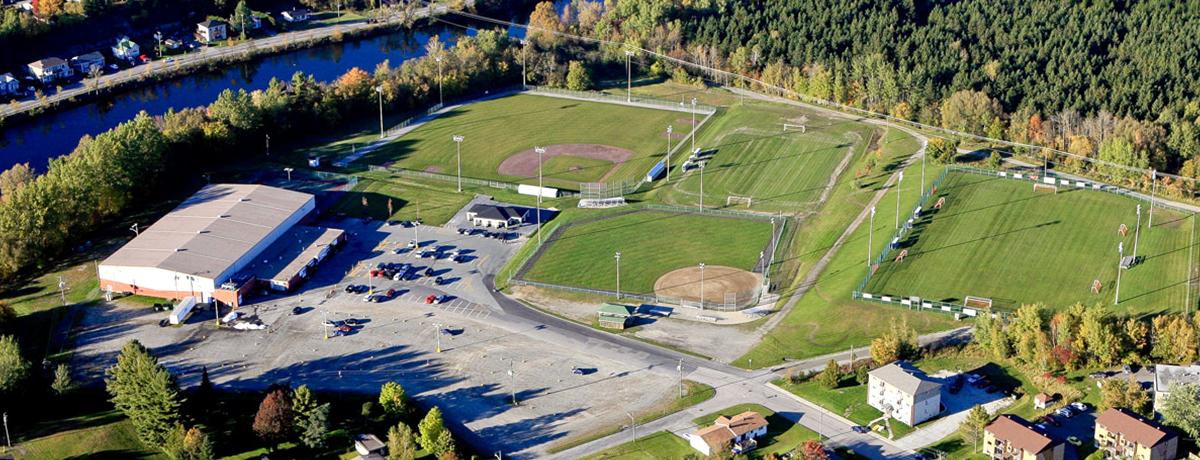 Communiqué   Le conseil municipal de Magog se positionne en faveur d'un nouvel aréna au parc de l'Est